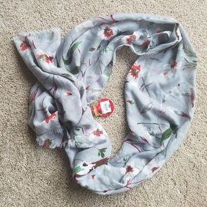 APT.9 scarf